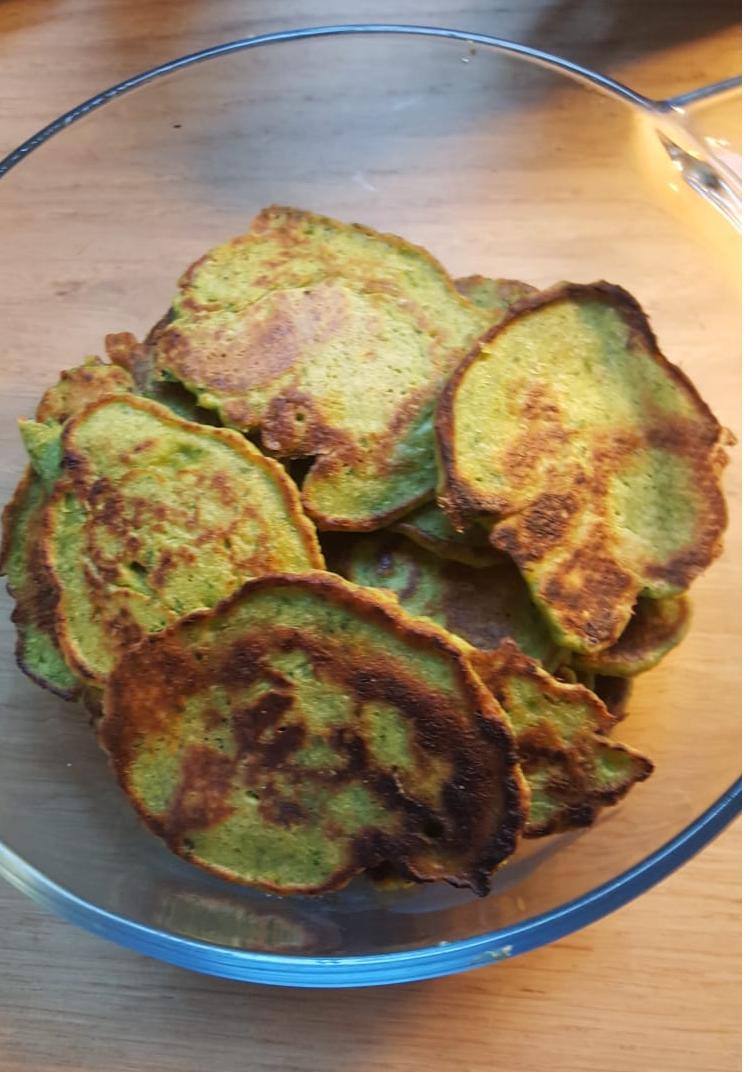 Hartige beignets met kikkererwten en spinazie